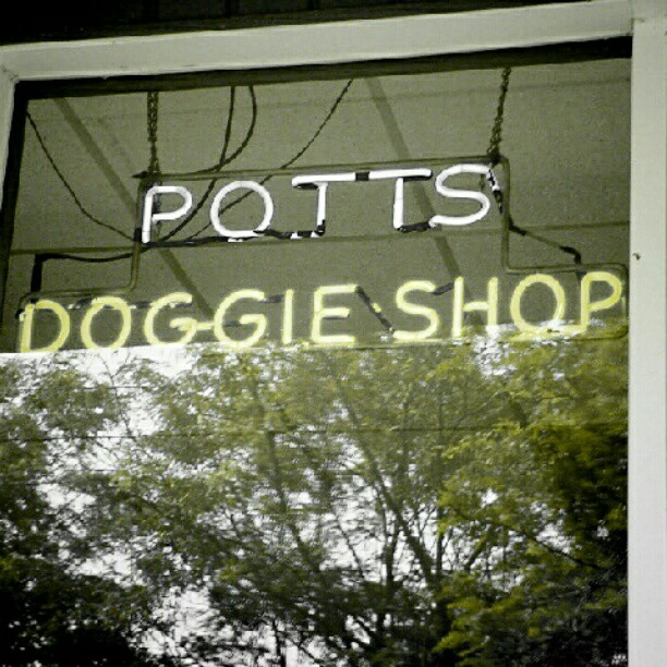 Pott's Doggie Shop